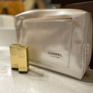 BEAUTIFUL Chanel Cosmetic Bag w/ Samples